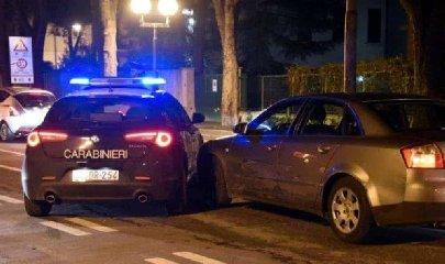 https://www.ragusanews.com//immagini_articoli/17-09-2019/sciclitano-23enne-fugge-all-alt-dei-carabinieri-inseguito-li-sperona-240.jpg
