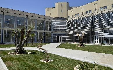 https://www.ragusanews.com//immagini_articoli/17-09-2020/concussione-interdetto-un-medico-dell-ospedale-di-ragusa-240.jpg