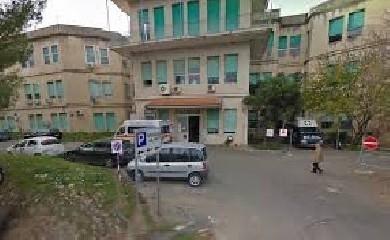 https://www.ragusanews.com//immagini_articoli/17-09-2020/covid-anziano-si-aggrava-ompa-senza-rianimazione-trasferito-a-siracusa-240.jpg