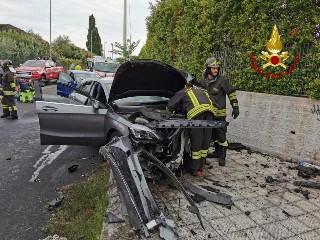 https://www.ragusanews.com//immagini_articoli/17-09-2020/scontro-tra-due-auto-4-feriti-due-gravi-240.jpg