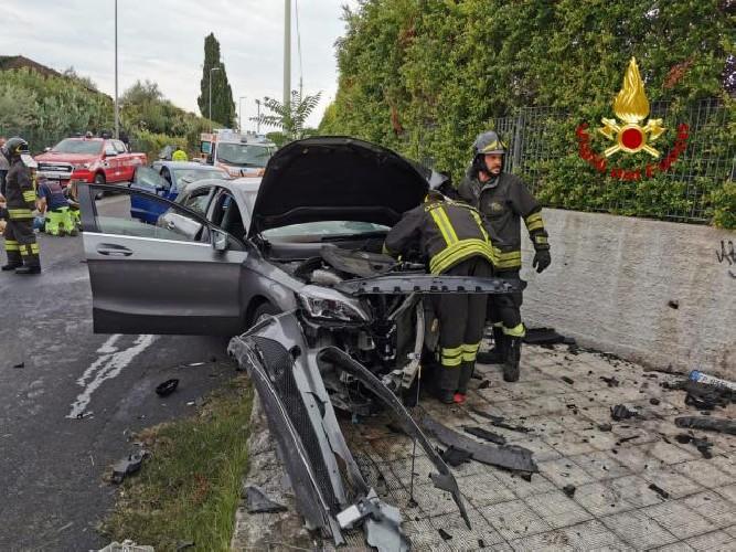 https://www.ragusanews.com//immagini_articoli/17-09-2020/scontro-tra-due-auto-4-feriti-due-gravi-500.jpg