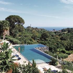 https://www.ragusanews.com//immagini_articoli/17-09-2021/1631896372-piscine-terra-cielo-un-tuffo-tra-verde-e-blu-della-sicilia-foto-7-280.jpg