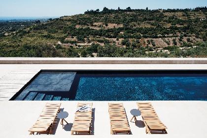 https://www.ragusanews.com//immagini_articoli/17-09-2021/piscine-terra-cielo-un-tuffo-tra-verde-e-blu-della-sicilia-foto-280.jpg
