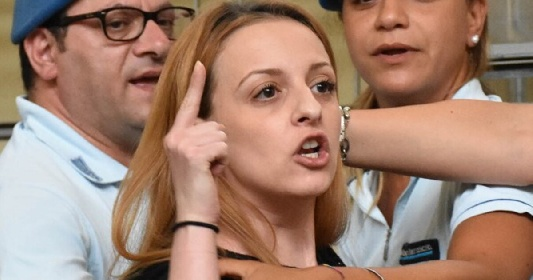 https://www.ragusanews.com//immagini_articoli/17-09-2021/veronica-panarello-seconda-condanna-per-aver-calunniato-il-suocero-280.jpg