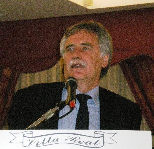 https://www.ragusanews.com//immagini_articoli/17-10-2011/peppe-drago-i-monologhi-di-bruno-arrabito-500.jpg