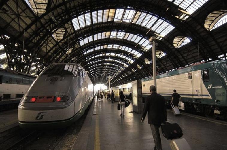 http://www.ragusanews.com//immagini_articoli/17-10-2014/la-13enne-ragusana-rintracciata-alla-stazione-di-milano-500.jpg