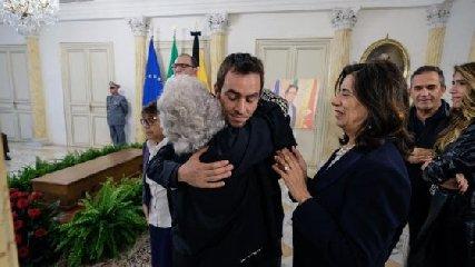 https://www.ragusanews.com//immagini_articoli/17-10-2019/sebastiano-tusa-e-tornato-a-casa-240.jpg