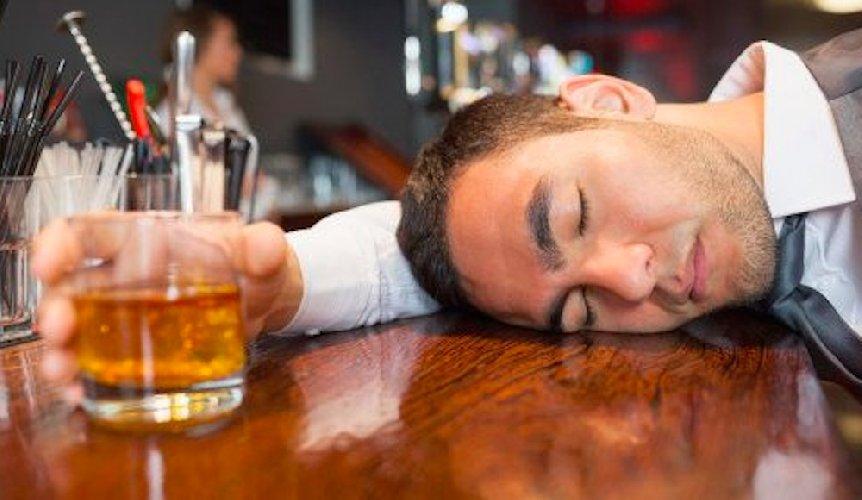 https://www.ragusanews.com//immagini_articoli/17-10-2019/ubriaco-va-in-escandescenza-500.jpg