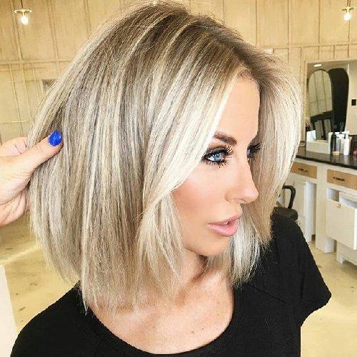 https://www.ragusanews.com//immagini_articoli/17-10-2020/i-tagli-2020-21-i-capelli-medi-e-la-nuova-tendenza-500.jpg