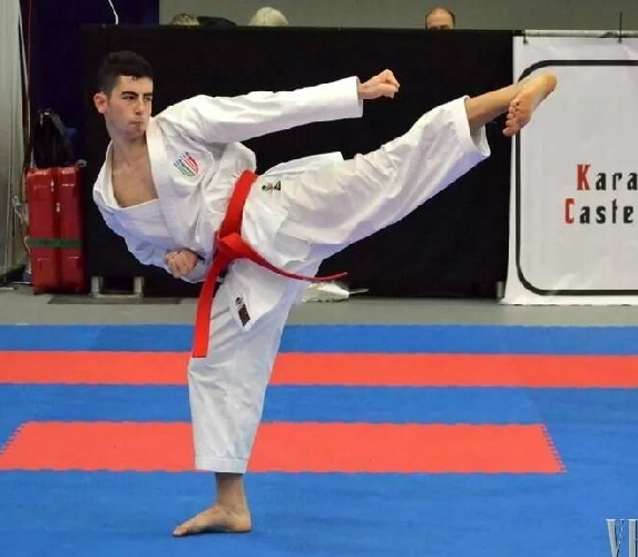 https://www.ragusanews.com//immagini_articoli/17-11-2014/karate-tre-ori-per-panagia-500.jpg