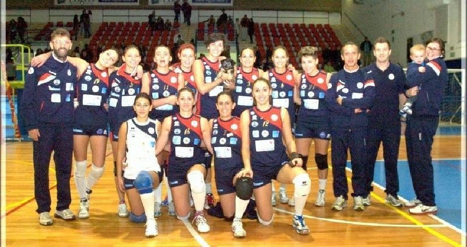 http://www.ragusanews.com//immagini_articoli/17-11-2014/volley-il-modica-vince-a-san-giovanni-la-punta-500.jpg