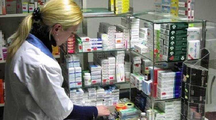 http://www.ragusanews.com//immagini_articoli/17-11-2016/in-farmacia-per-i-bambini-420.jpg