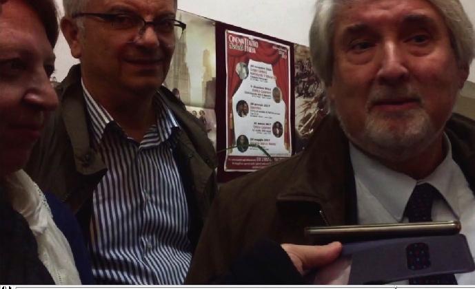 http://www.ragusanews.com//immagini_articoli/17-11-2016/ministro-poletti-a-fianco-di-rita-trovato-si-alla-decontribuzione-video-420.jpg