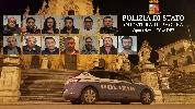 https://www.ragusanews.com//immagini_articoli/17-11-2016/quattordici-arresti-per-droga-a-modica-sei-sono-donne-100.jpg