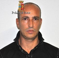 http://www.ragusanews.com//immagini_articoli/17-11-2017/furto-mila-euro-casa-comiso-arrestato-giuseppe-morreale-240.jpg