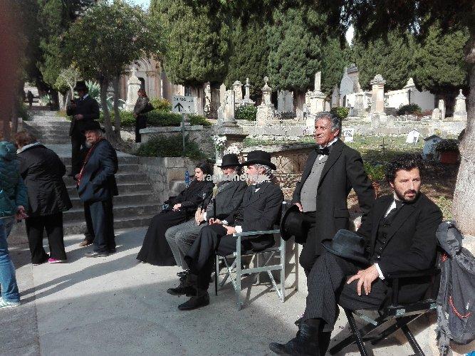https://www.ragusanews.com//immagini_articoli/17-11-2018/stagione-caccia-gira-cimitero-scicli-500.jpg