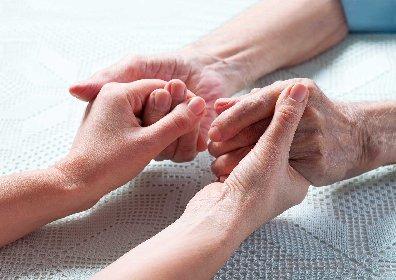 https://www.ragusanews.com//immagini_articoli/17-11-2020/90enne-ricoverato-al-medico-lasciami-andare-non-perdere-tempo-con-me-280.jpg