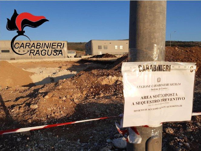 https://www.ragusanews.com//immagini_articoli/17-11-2020/sequestrata-una-cava-abusiva-usata-per-lo-stoccaggio-dei-rifiuti-500.jpg