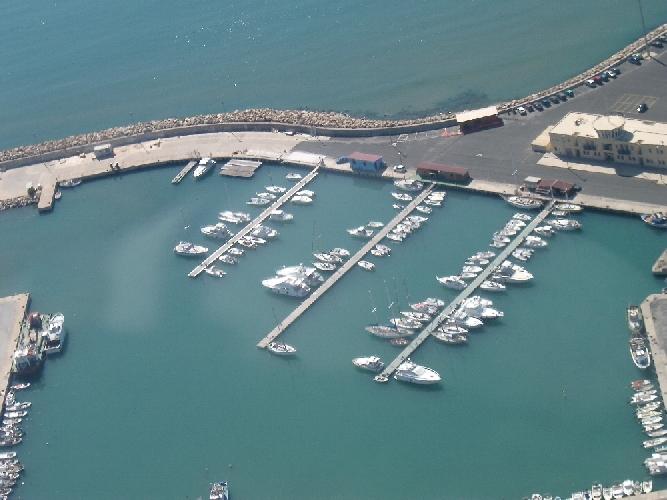 http://www.ragusanews.com//immagini_articoli/17-12-2011/porto-di-pozzallo-ammatuna-bilancio-negativo-nel-2011-500.jpg