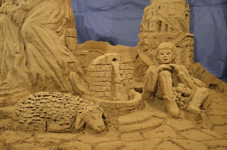 http://www.ragusanews.com//immagini_articoli/17-12-2014/il-presepe-di-sabbia-a-ibla-500.jpg
