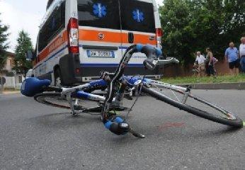 http://www.ragusanews.com//immagini_articoli/17-12-2017/sampieri-ciclista-colto-infarto-ricoverato-ragusa-240.jpg