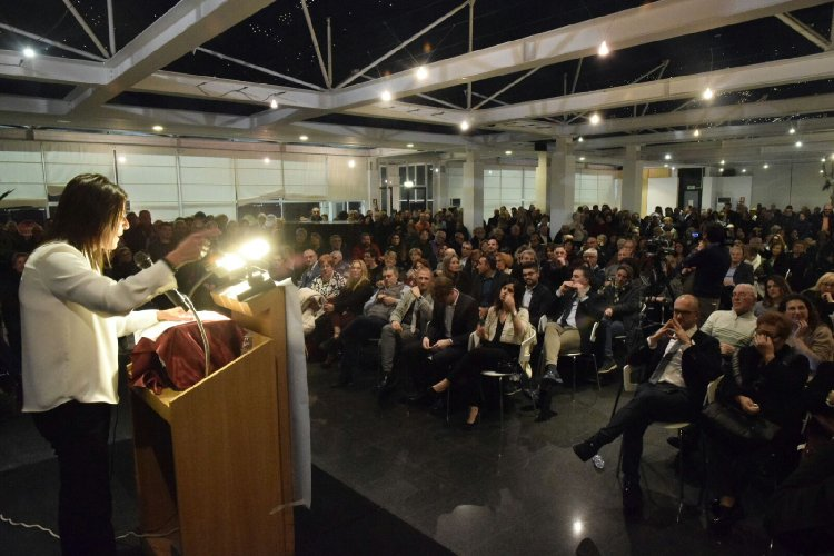 http://www.ragusanews.com//immagini_articoli/17-12-2017/sonia-migliore-candidata-sindaco-ragusa-500.jpg