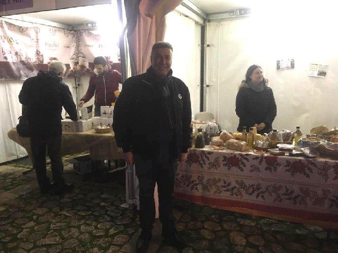 https://www.ragusanews.com//immagini_articoli/17-12-2018/pedalino-eccellenze-agroalimentari-500.jpg