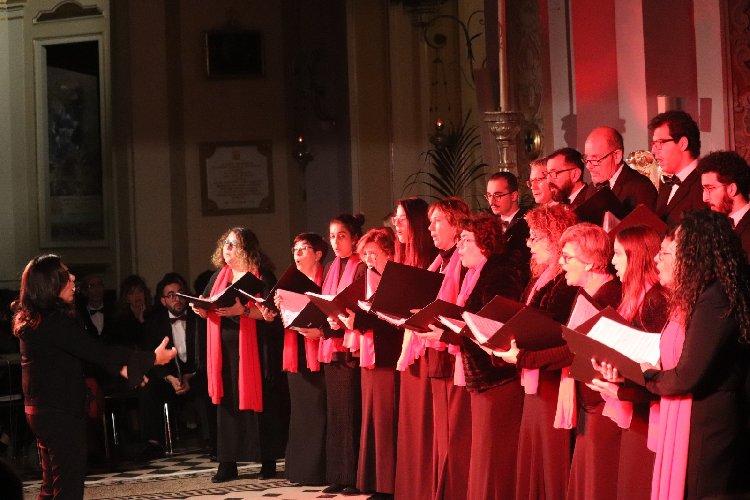 https://www.ragusanews.com//immagini_articoli/17-12-2019/natale-in-coro-a-ragusa-500.jpg