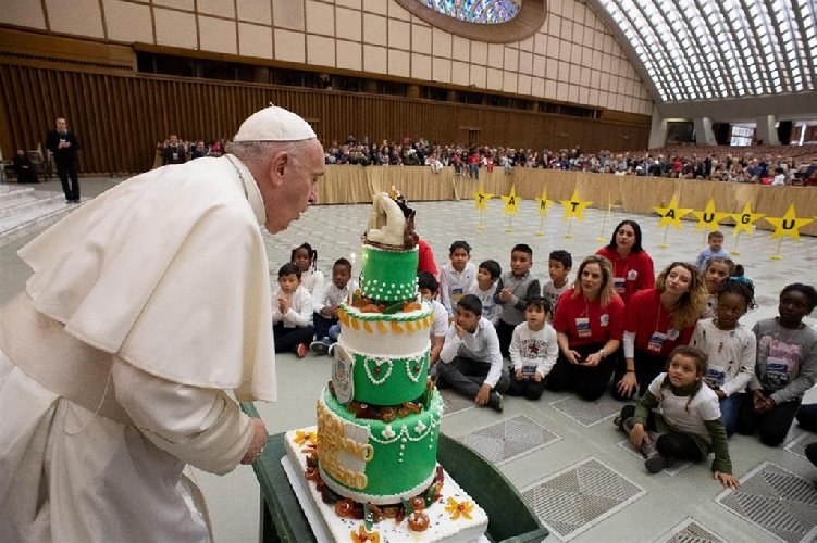 https://www.ragusanews.com//immagini_articoli/17-12-2020/auguri-papa-francesco-compie-84-anni-ma-per-lui-e-un-giorno-qualunque-500.jpg