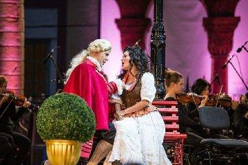 http://www.ragusanews.com//immagini_articoli/18-01-2018/soprano-manuela-cucuccio-baritono-francesco-verna-ibla-classica-240.jpg