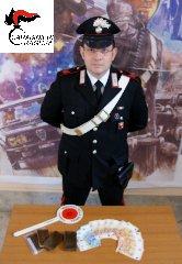 https://www.ragusanews.com//immagini_articoli/18-01-2019/arrestato-ragusano-grammi-hashish-240.jpg