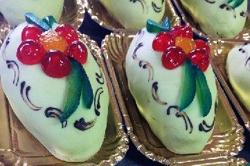 https://www.ragusanews.com//immagini_articoli/18-01-2019/torrone-gelato-pasticceria-freni-240.jpg