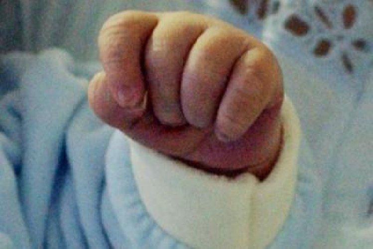 https://www.ragusanews.com//immagini_articoli/18-01-2020/donna-incinta-morta-in-clinica-privata-morto-pure-il-neonato-500.jpg