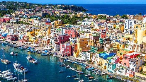 https://www.ragusanews.com//immagini_articoli/18-01-2021/1610964549-procida-batte-trapani-l-isola-napoletana-capitale-della-cultura-2022-foto-1-280.jpg
