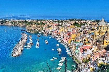 https://www.ragusanews.com//immagini_articoli/18-01-2021/1610964551-procida-batte-trapani-l-isola-napoletana-capitale-della-cultura-2022-foto-5-280.jpg