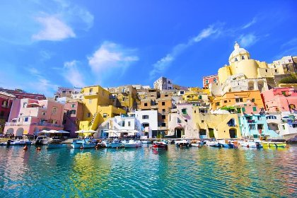 https://www.ragusanews.com//immagini_articoli/18-01-2021/1610964552-procida-batte-trapani-l-isola-napoletana-capitale-della-cultura-2022-foto-6-280.jpg