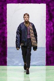 https://www.ragusanews.com//immagini_articoli/18-01-2021/1611005628-milan-fashion-week-le-collezioni-uomo-per-l-autunno-inverno-2021-22-3-280.jpg