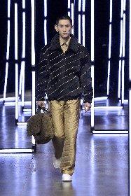 https://www.ragusanews.com//immagini_articoli/18-01-2021/1611005629-milan-fashion-week-le-collezioni-uomo-per-l-autunno-inverno-2021-22-5-280.jpg