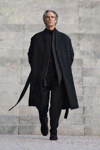 https://www.ragusanews.com//immagini_articoli/18-01-2021/1611005632-milan-fashion-week-le-collezioni-uomo-per-l-autunno-inverno-2021-22-11-500.jpg