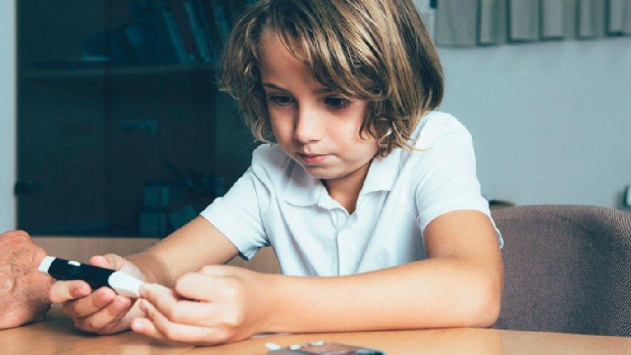 https://www.ragusanews.com//immagini_articoli/18-01-2021/bambini-con-diabete-di-tipo-1-emergenza-sbiadita-in-sicilia-500.jpg