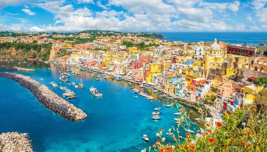 https://www.ragusanews.com//immagini_articoli/18-01-2021/procida-batte-trapani-l-isola-napoletana-capitale-della-cultura-2022-foto-500.jpg