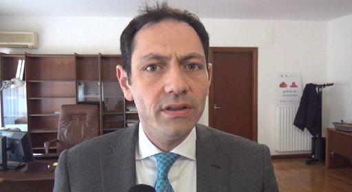 https://www.ragusanews.com//immagini_articoli/18-01-2021/ragusa-zona-gialla-razza-al-sindaco-abbate-ma-anche-no-280.jpg