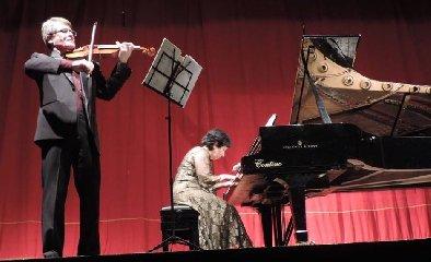 https://www.ragusanews.com//immagini_articoli/18-02-2018/calliope-ieri-sera-protagonista-musica-ragusa-240.jpg