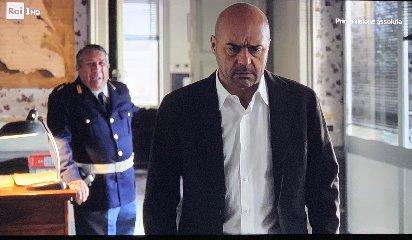 https://www.ragusanews.com//immagini_articoli/18-02-2019/morto-dottor-pasquano-piane-commissario-montalbano-240.jpg