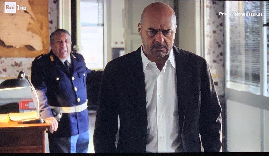 https://www.ragusanews.com//immagini_articoli/18-02-2019/morto-dottor-pasquano-piange-commissario-montalbano-500.jpg