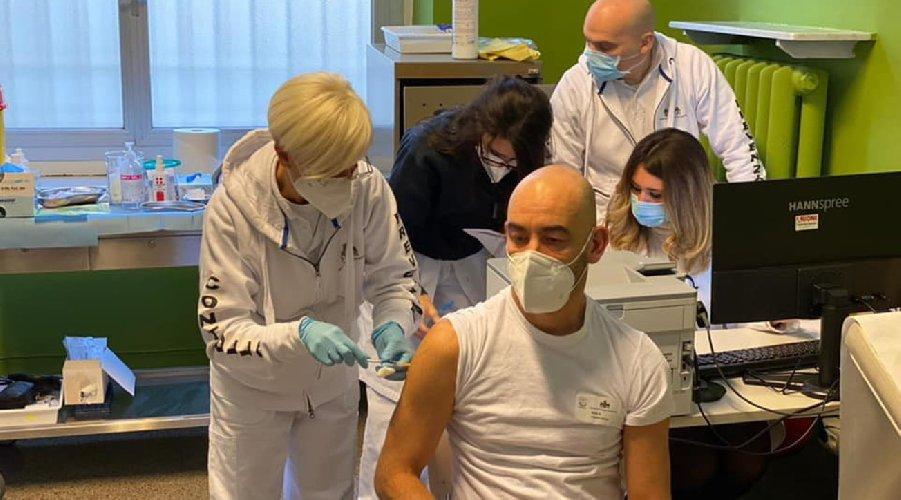 https://www.ragusanews.com//immagini_articoli/18-02-2021/germania-malori-dopo-astrazeneca-vaccini-sospesi-in-alcune-citta-500.jpg