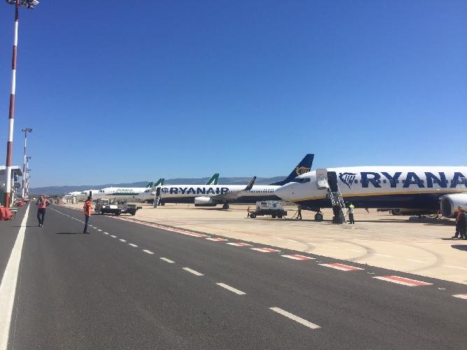 https://www.ragusanews.com//immagini_articoli/18-03-2017/oltre-mila-passeggeri-dirottati-catania-comiso-500.jpg