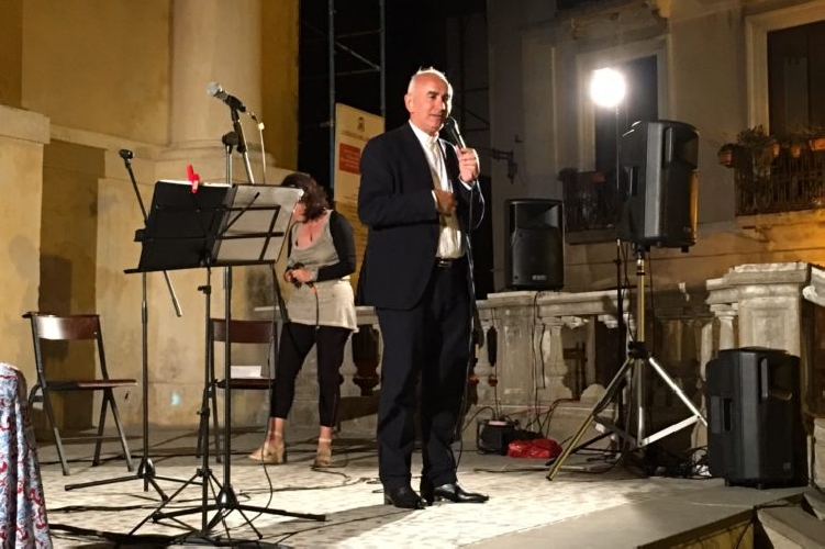 http://www.ragusanews.com//immagini_articoli/18-03-2017/theology-cantando-buona-novella-500.jpg