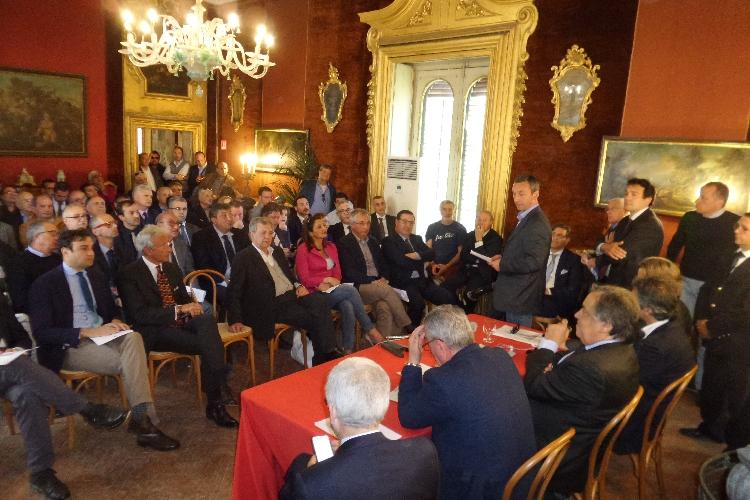 https://www.ragusanews.com//immagini_articoli/18-04-2017/anci-sicilia-fianco-sindaci-decaduti-500.jpg