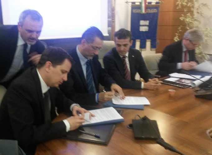 http://www.ragusanews.com//immagini_articoli/18-04-2017/inchiesta-petrolio-basilicata-rinvii-giudizio-500.png